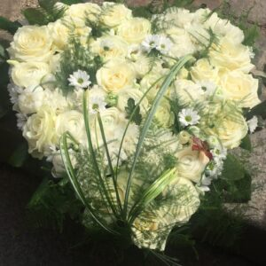 Hvidt rosenhjerte i Oasis.