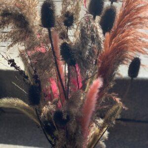 Evighedsbuket i natur med strejf af lyserød og pink smuk buket der holder i mange år skal ikke i vand