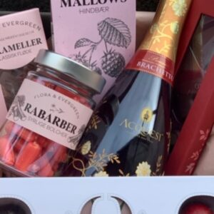 Gavekurv med bobler chokolade bolcher karameller skøn hilsen til en du vil glæde